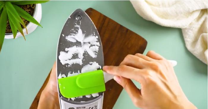 چگونه کف اتو را تمیز کنیم ، تمیز کردن کف اتو